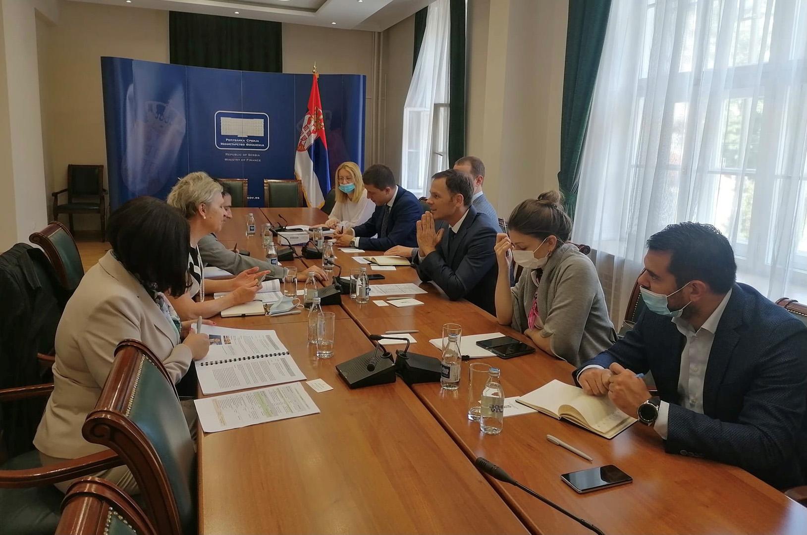 Министар финансија разговарао са регионалном директорком ЕБРД